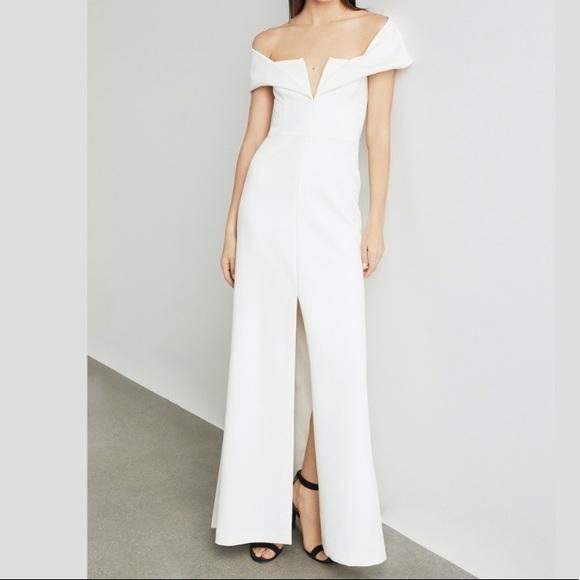 BCBGMaxAzria Dresses & Skirts - Stunning ivory gown